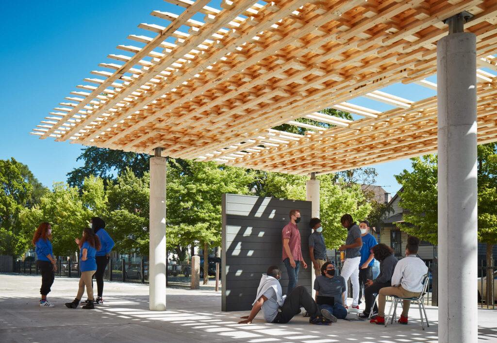 SOM debuta en la Bienal de Arquitectura de Chicago 2021 en el Robotic Wood Pavilion